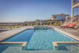 swimming-pool-389267_960_720.jpg